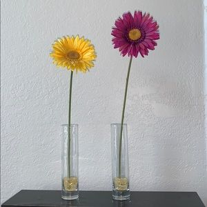 #1724  2 small  vases with yellow and purple Daisy